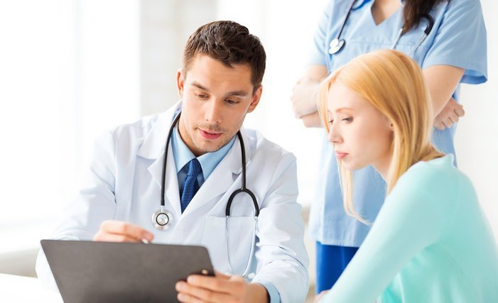 thumb article big HOSPITALES y MEDICOS 131029 shutterstock 142314799 Servicio SALUD medico plus paciente 1