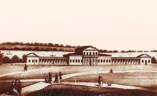 Dvorets studentov seredina 19 veka