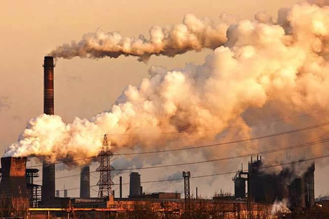 truba zavod vybrosy smog zapakh vozdukh atmosfera