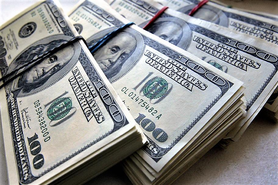 В Америке работник продуктового магазина выиграл в лотерею 1 000 000 долларов