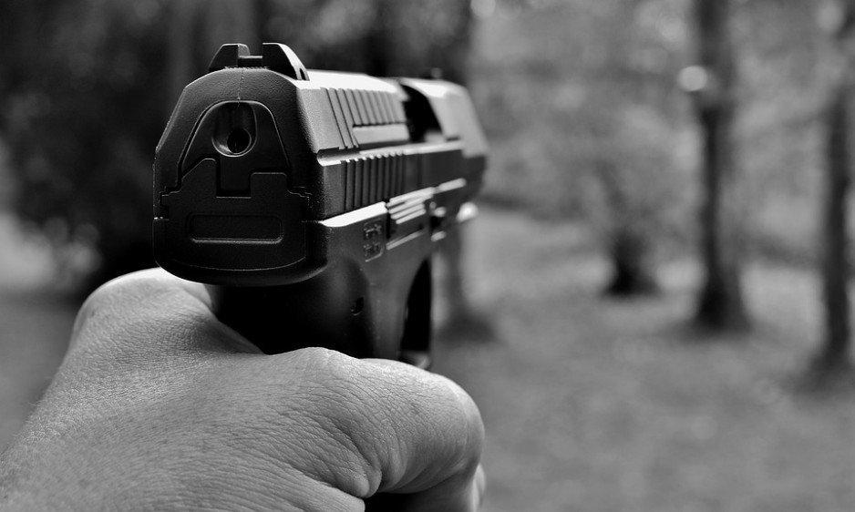 Хотів затримати грабіжника, а отримав кулю: у Дніпрі підстрелили підполковника поліції