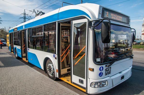В Днепре в связи с аварией троллейбусы на Победу изменят схему движения