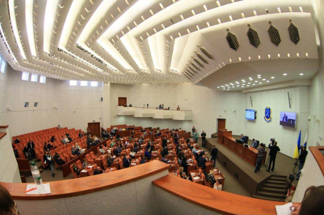 Монобольшинство или коалиция в горсовете Днепра: как будут работать депутаты