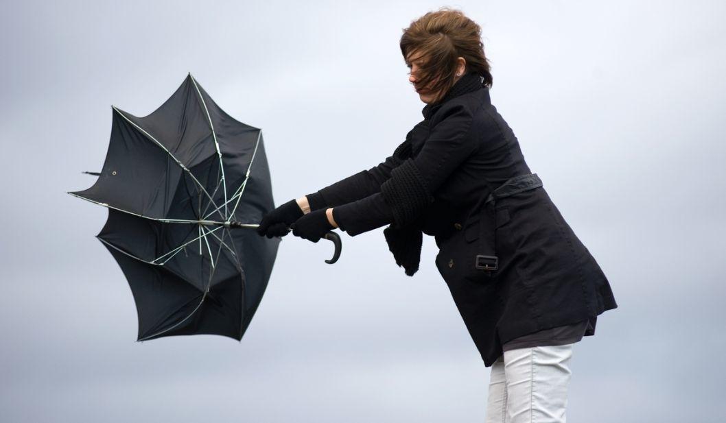 Держитесь крепче: в Днепре объявили штормовое предупреждение