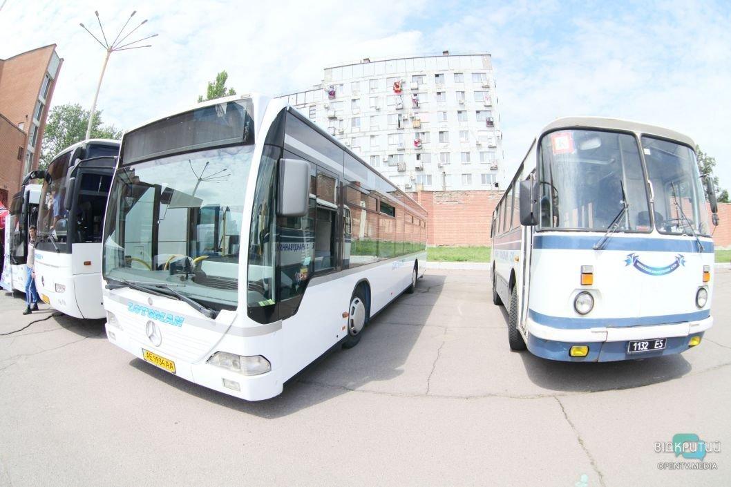 Первый день карантина: как работает общественный транспорт в Днепре