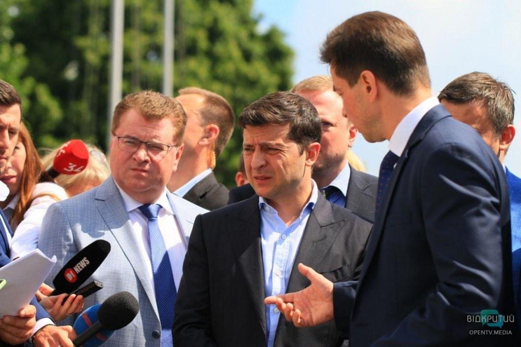 Зеленского просят повысить зарплату медсестрам до 15 000 гривен