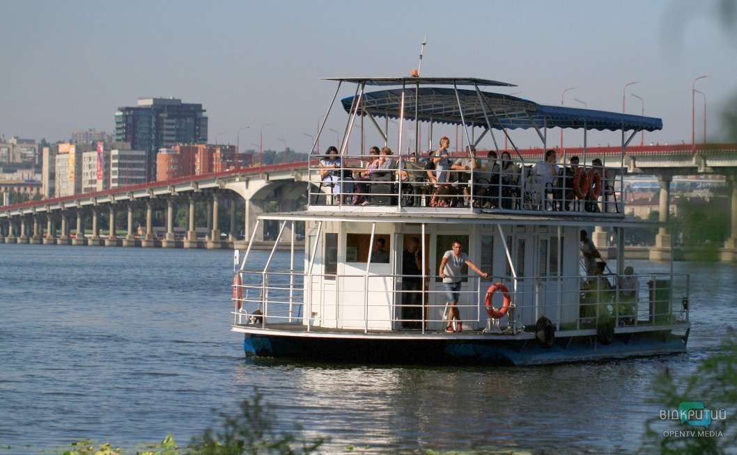 rechnoj tramvaj most korabl
