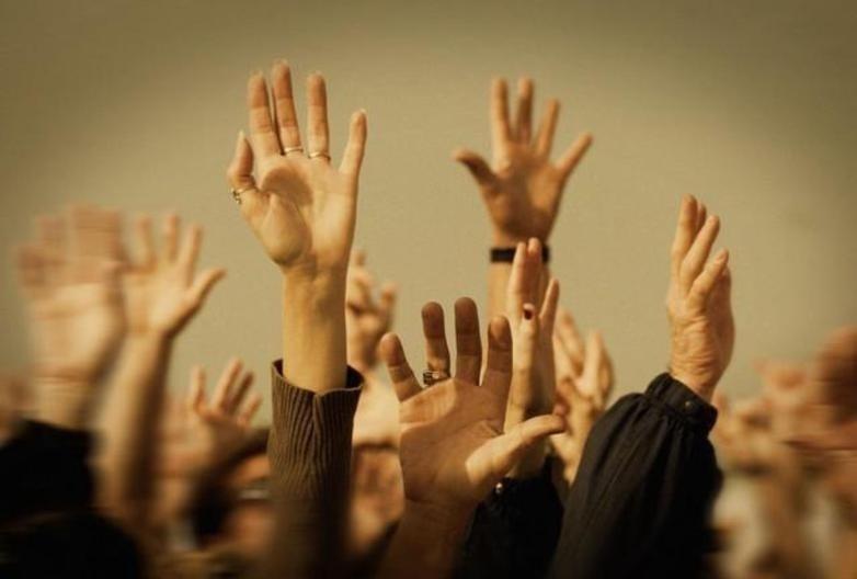 «Слуги народу» за потреби готові голосувати руками на засіданнях Верховної Ради