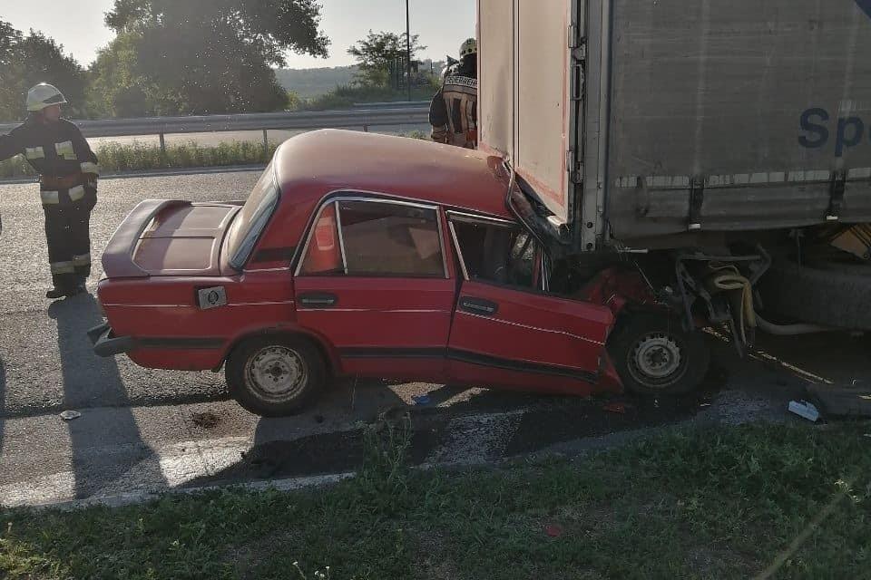 На трасі Дніпро-Запоріжжя під час аварії загинув водій