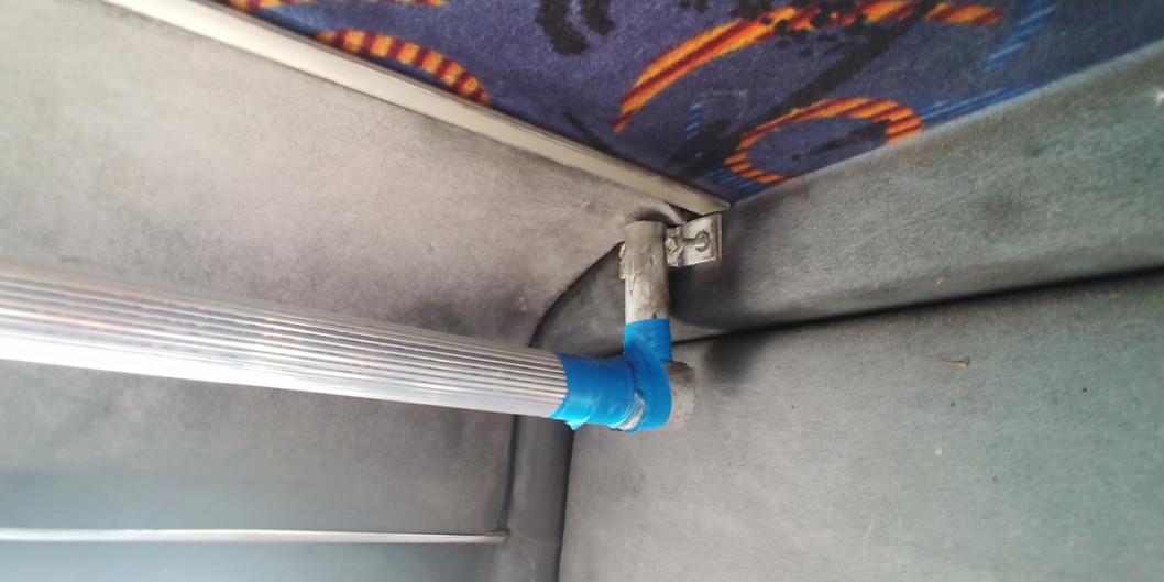 У маршрутках Дніпра знайшли оголені дроти та відламані сидіння