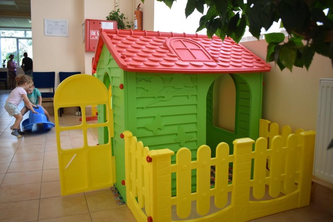 Мінрегіон розгляне можливість проєктування у поліклініках дитячих куточків
