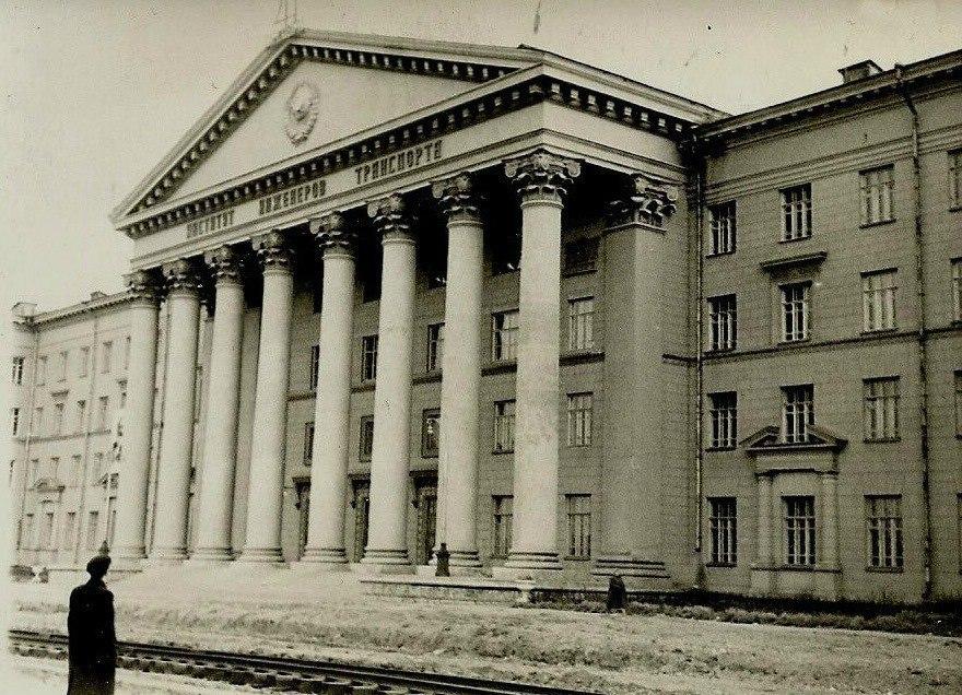Солодкий час студентства: оприлюднили рідкісні знімки проспекту Гагаріна у 40-60-ті роки