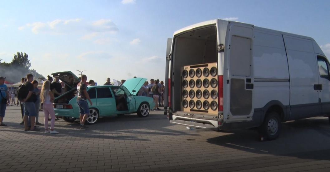 У Дніпрі відбулись змагання з автотюнінгу та автозвуку