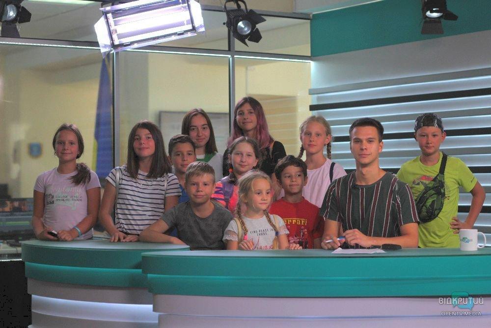 Як роблять новини: екскурсія на Відкритий для маленьких дніпрян