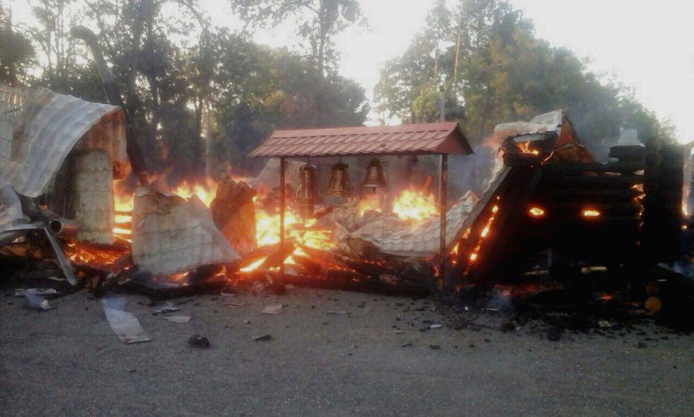 У Кривому Розі вогнеборці понад дві години гасили пожежу у храмі