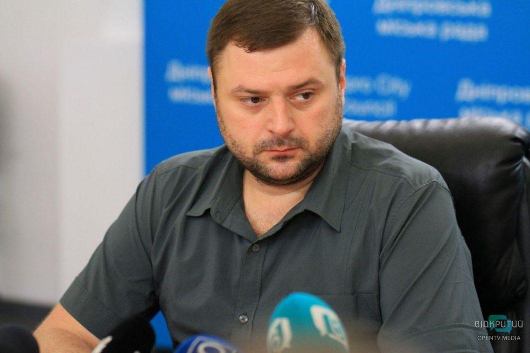 Карабин и отсутствие жилья: чем владеет заммэра Днепра Михаил Лысенко