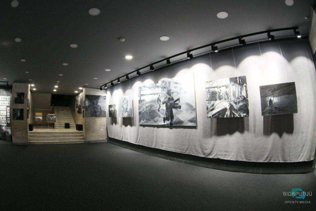 У Дніпровському музеї АТО відкрили виставку «Аеропорт»