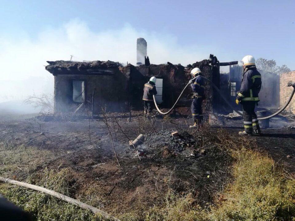 У Павлоградському районі під час пожежі загинула жінка та постраждав чоловік