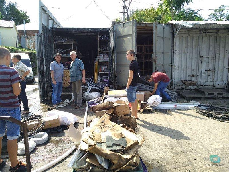 На Курчатовському ринку сталася пожежа на складах