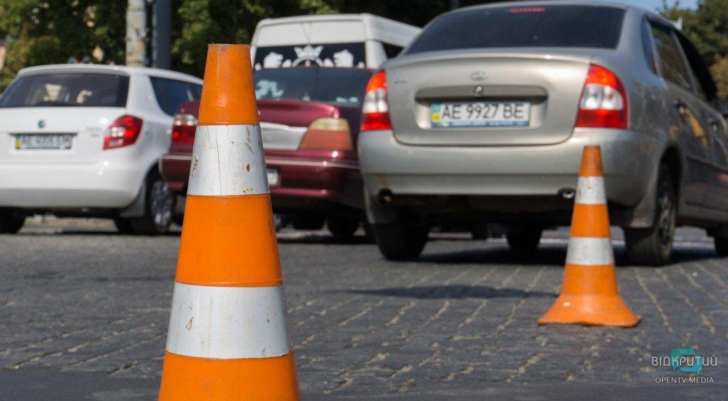 Где перекроют дорогу и как будет ездить транспорт на День города в Днепре