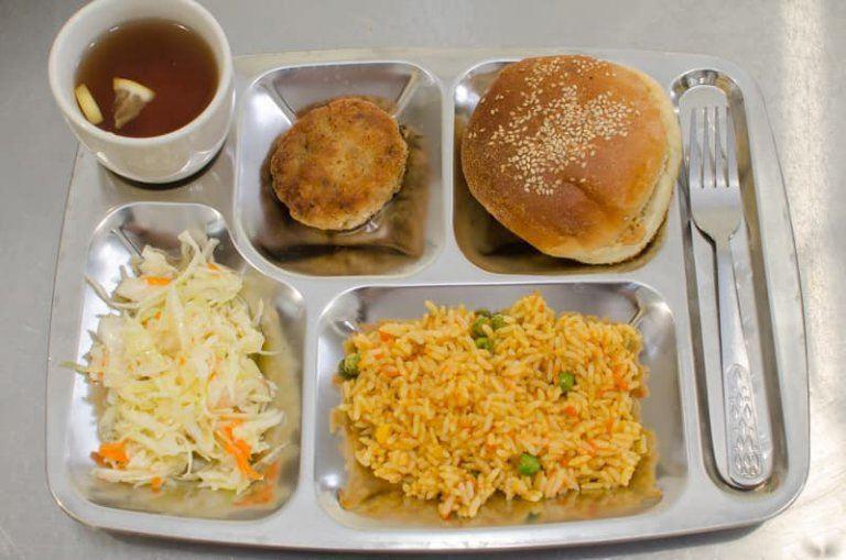Хто зі школярів може користуватися пільгами на харчування у Дніпрі