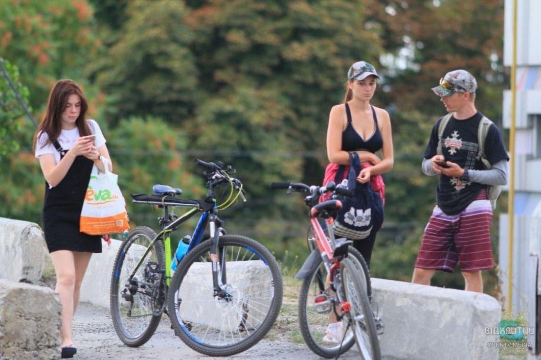 Смертельное ДТП: велосипедисты Днепра почтили память товарища, которого сбил Chevrolet (ВИДЕО)