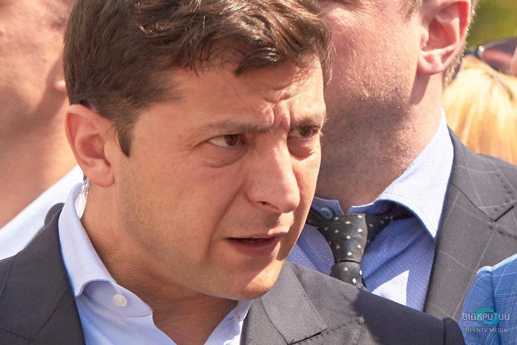 Верховная Рада предварительно одобрила увеличение полномочий Зеленского