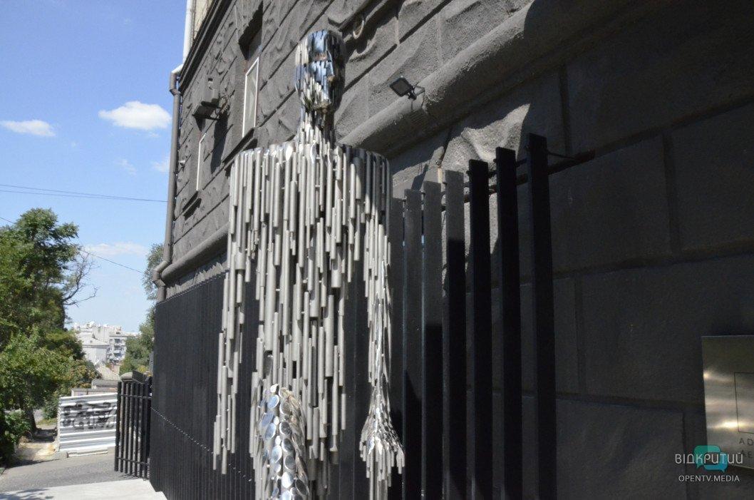 zheleznyj chelovek skulptura05