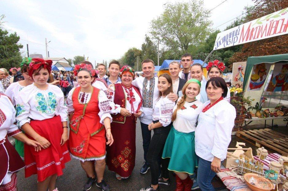 В Днепропетровской области пройдет этнофестиваль «Петриківський дивоцвіт»