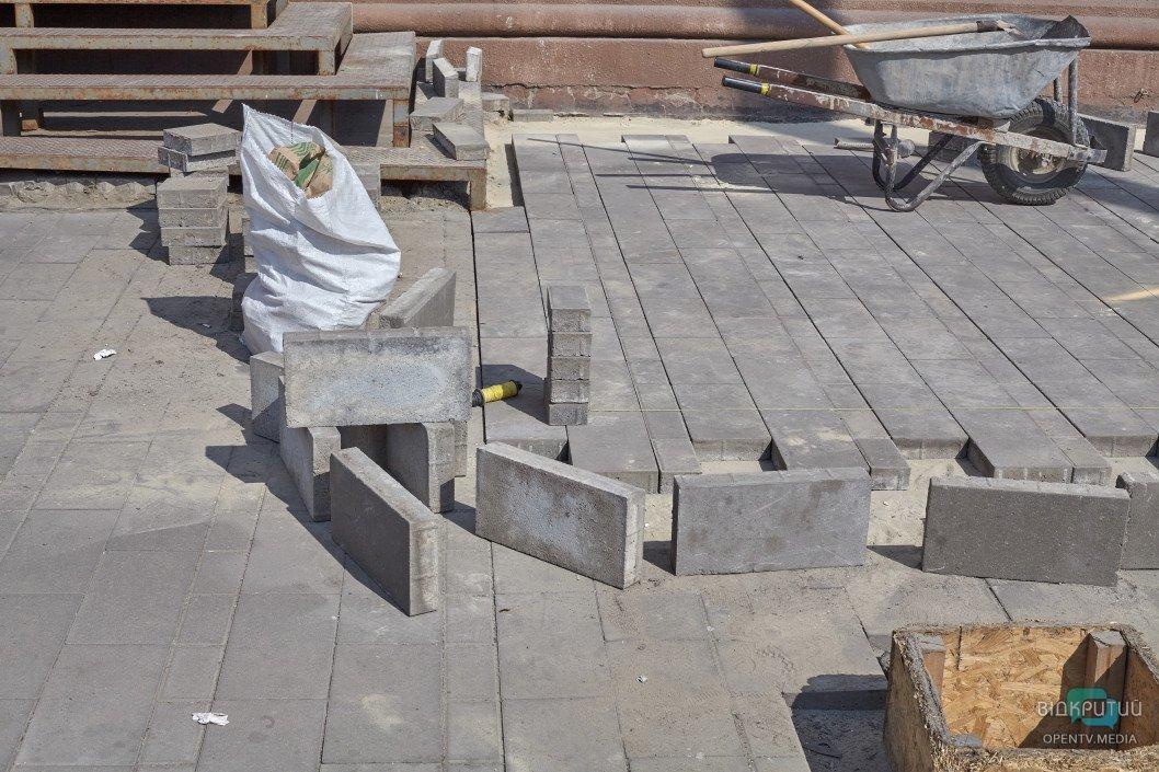 В центре Днепра обновят тротуарную плитку за 410 000 000 гривен