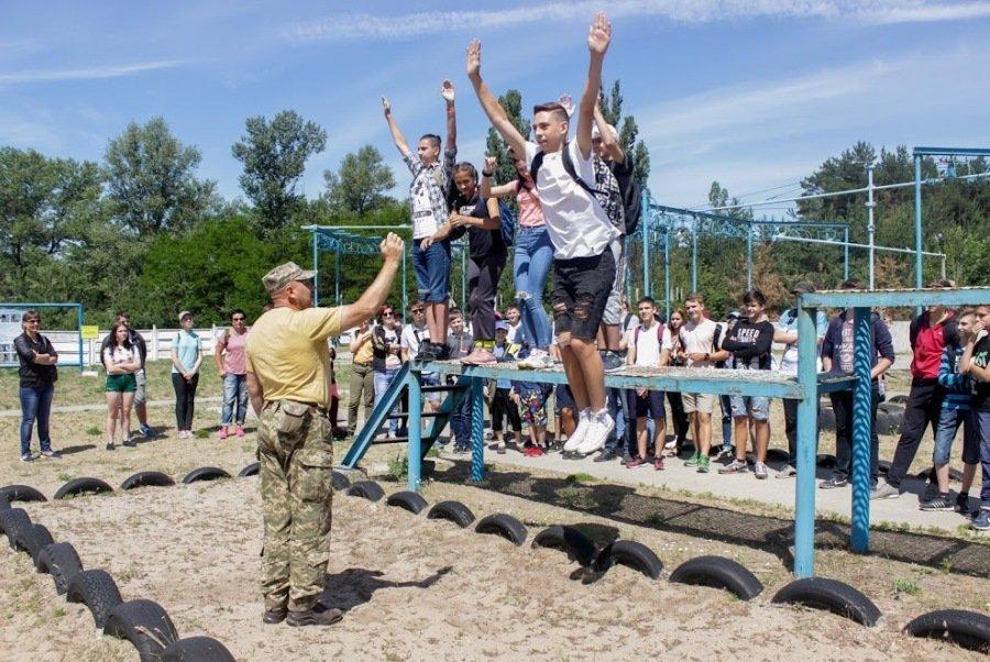 «Шляхами героїв»: в Днепропетровской области могут закрыть успешный проект патриотического воспитания молодежи