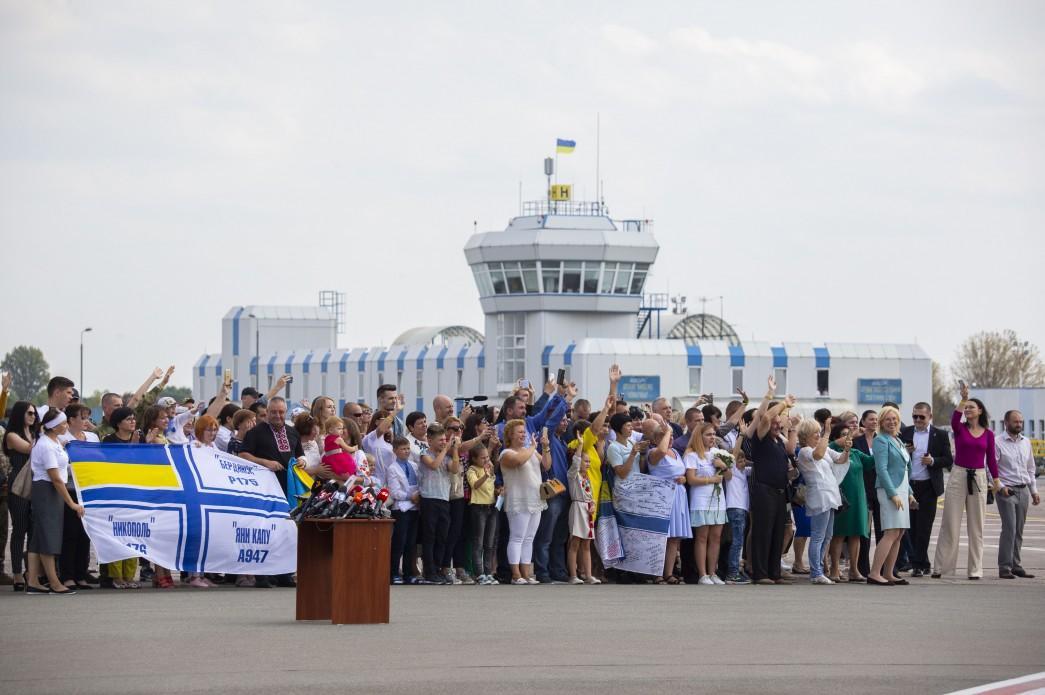 Наши вернулись домой: Канада приветствует обмен пленными между Украиной и Россией