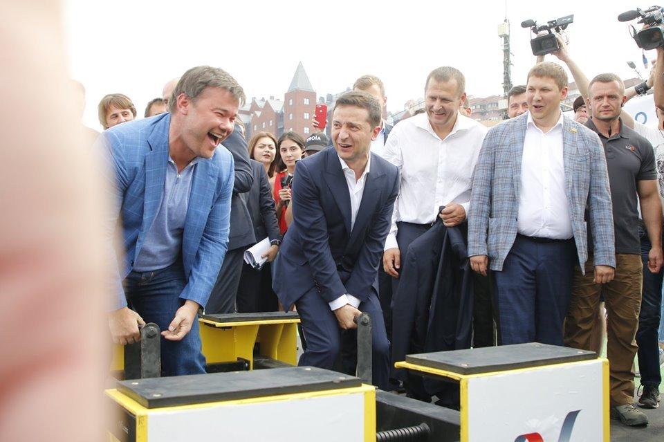 Зеленский и Богдан «рвали пупы» на набережной Днепра