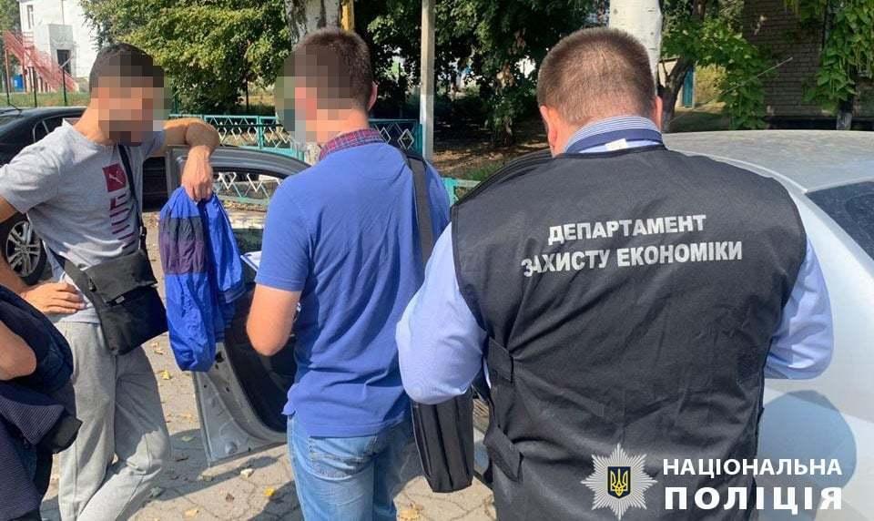 В Днепропетровской области сельского главу обвиняют в требовании взятки