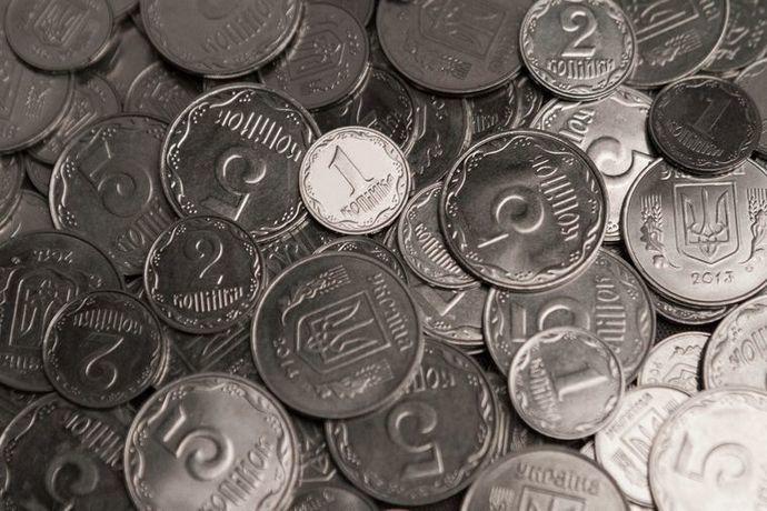 В электротранспорте Днепра с 1 октября не будут принимать монеты