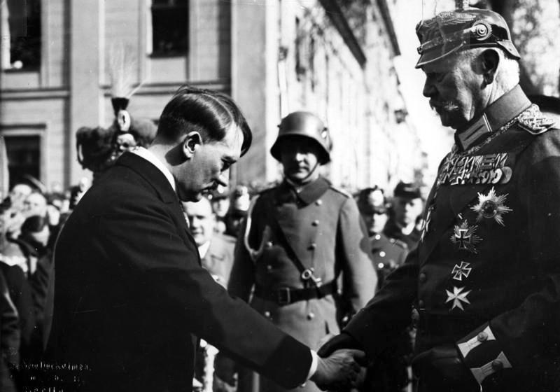 Bundesarchiv Bild 183 S38324 Tag von Potsdam Adolf Hitler Paul v. Hindenburg