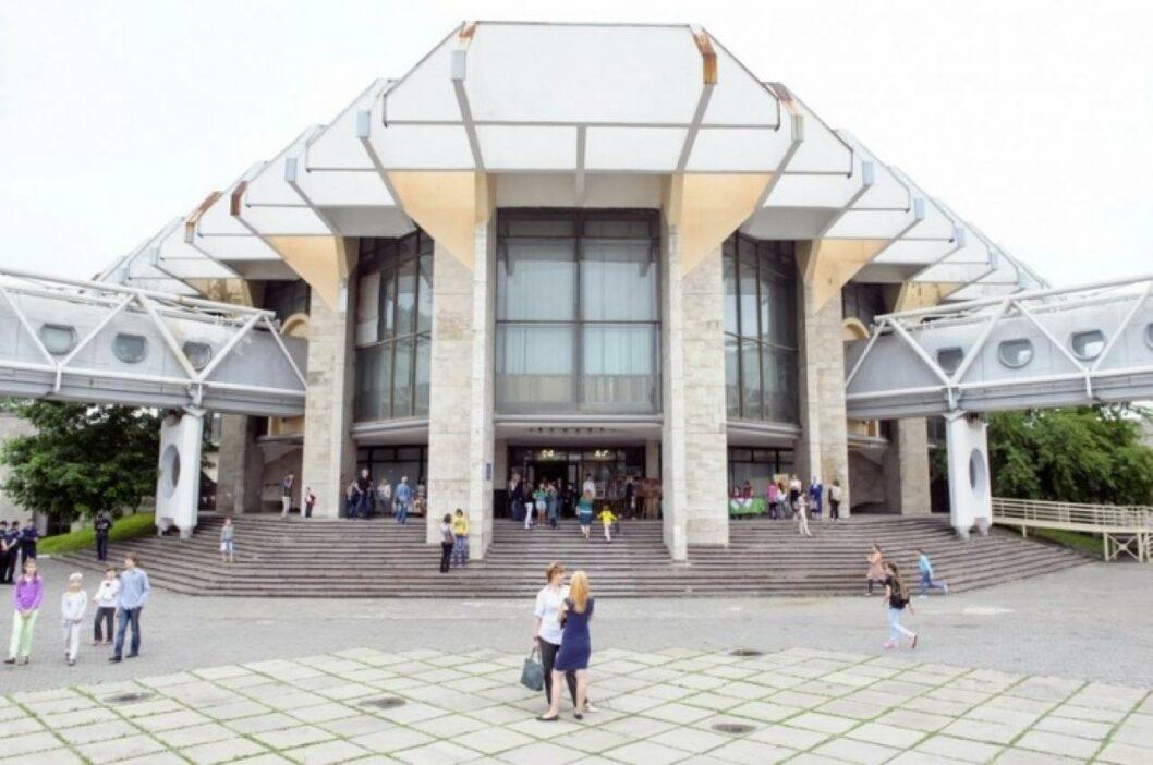 В Днепре ремонтировать Дворец детей и юношества будет фирма, руководство которой находится под следствием