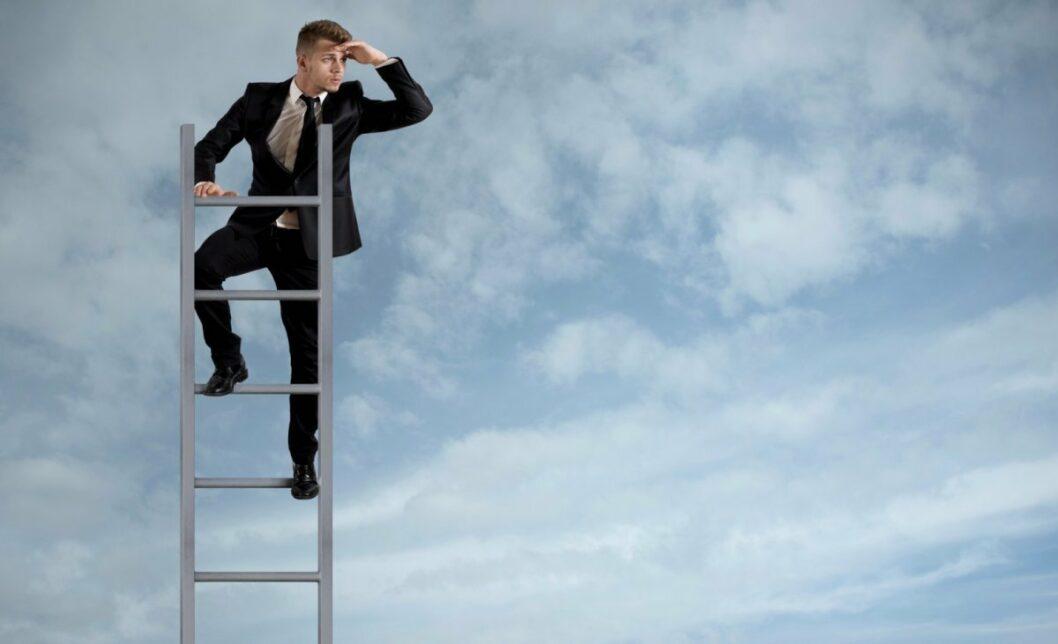 Карьерный «лифт»: что думают депутаты Днепра о проекте команды Зеленского