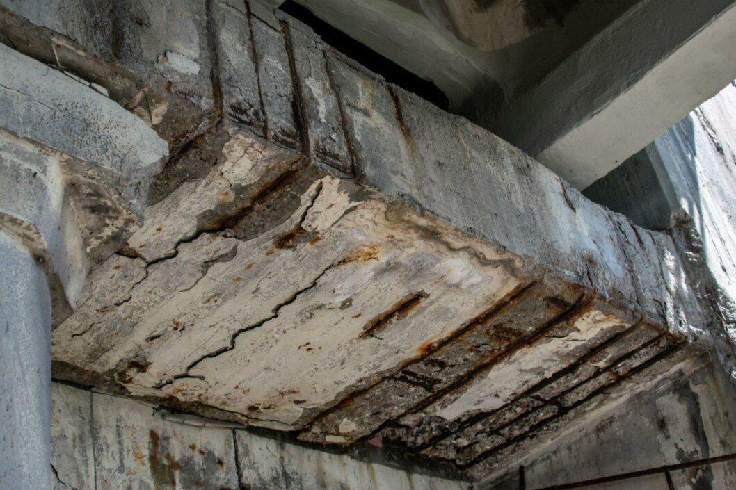 Активісти Дніпра пояснили, чому Новий міст відремонтували неякісно