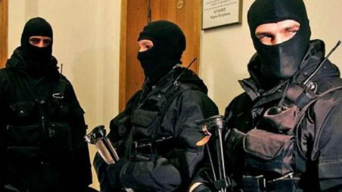 Зеленский предлагает разрешить обыскивать народных депутатов
