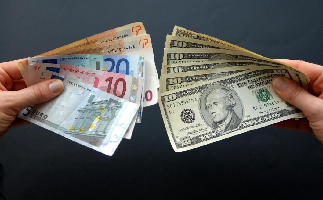 Дубинский предлагает ввести новый налог - 1% от сумм обмена валют наличными