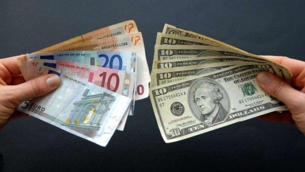 В Раде предлагают ввести сбор с наличного обмена валют