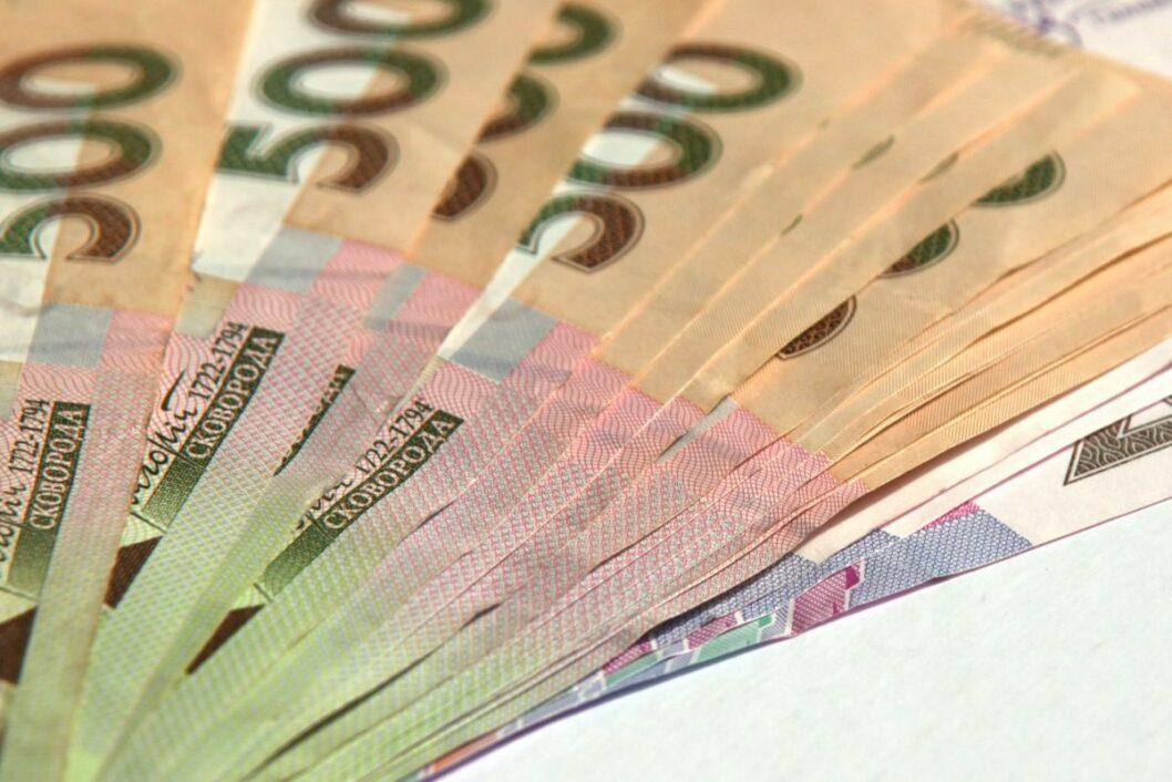 В Каменском мошенник выудил у горожан 100 тысяч гривен на установке еврозаборов