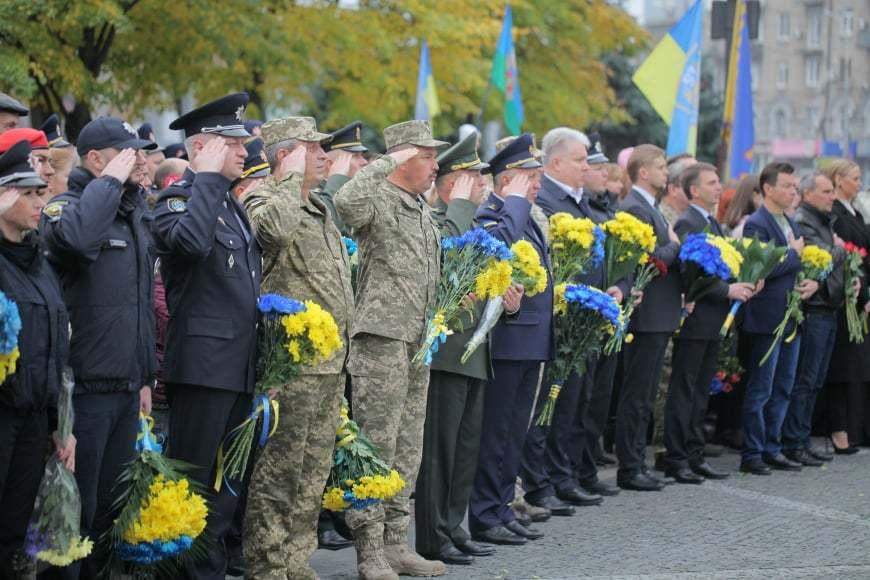 У військовому марші в Дніпрі взяли участь більше тисячі людей