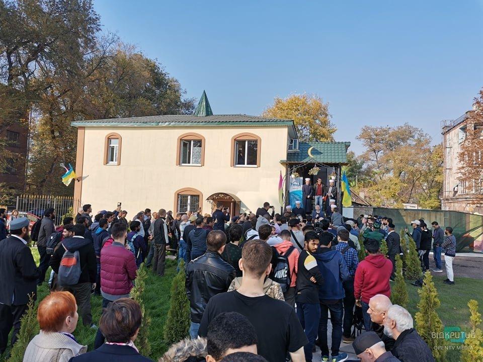 Первый за всю его историю города: мусульманский храм открыли в Каменском