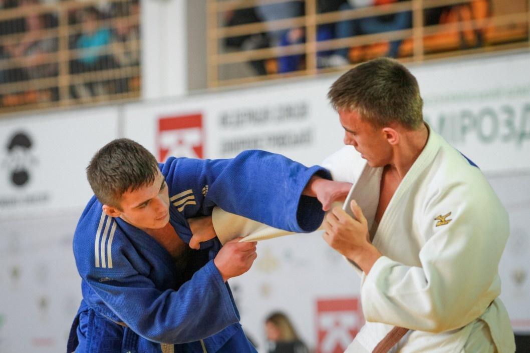 На Всеукраинском турнире по дзюдо днепряне завоевали 15 медалей