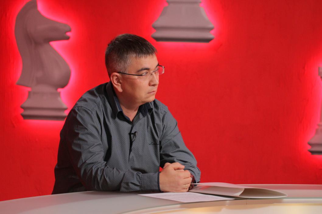Олександр Толубаєв закликав усіх охочих допомогти пораненим на сході України взяти участь в акції «Подаруй життя герою» та здати кров — програма «Шах і мат»
