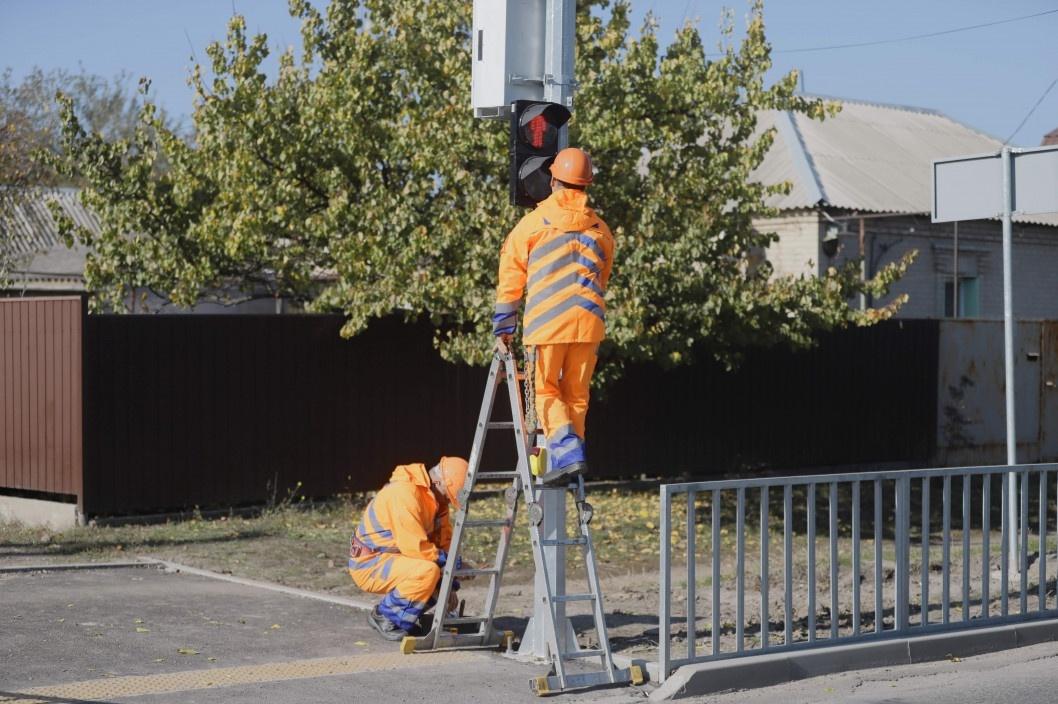 В Днепре по просьбе администрации школы на ж/м Игрень установили светофор