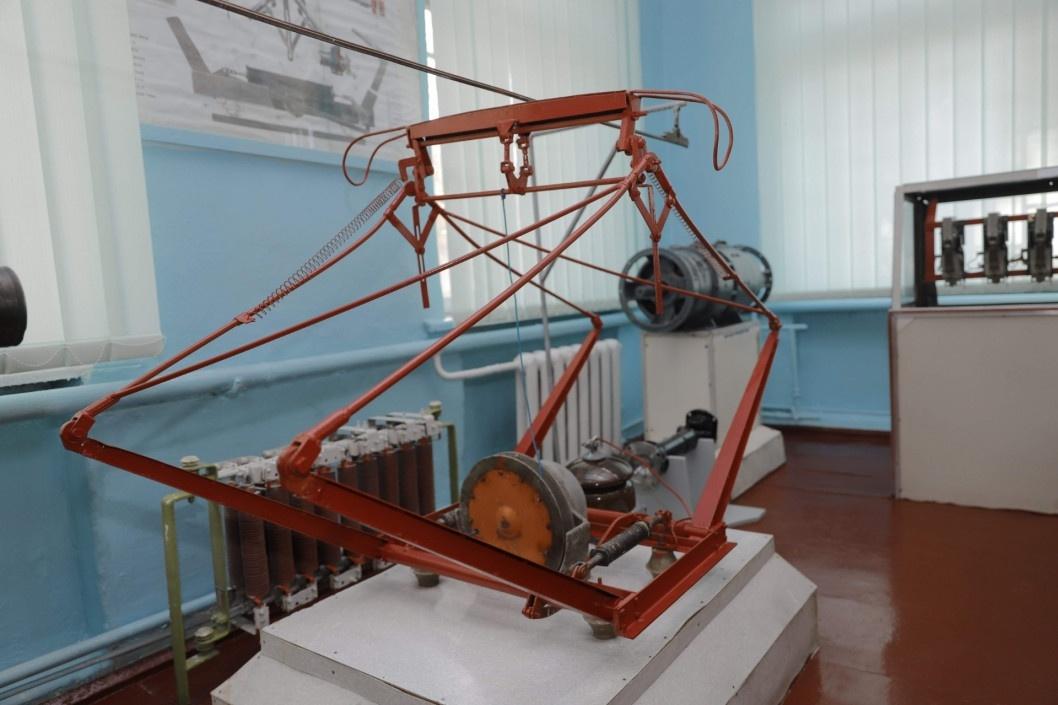 В Днепре начала работу новая школа водителей электротранспорта