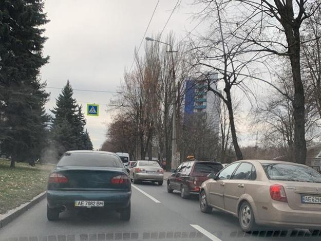 Огромные пробки: в Днепре оборвались троллейбусные провода